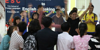 ESC Starts off new academic year with a cross-cultural message